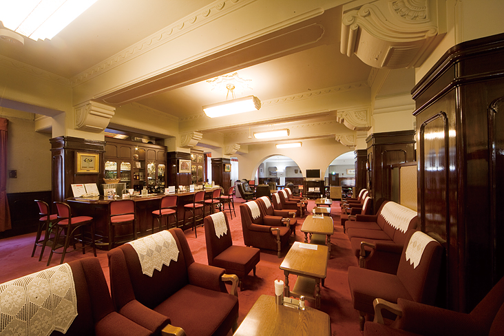 1階 喫茶・酒場